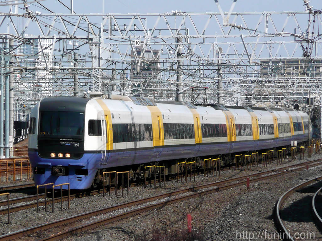 http://funini.com/train/tokyo/jre_exp/255/00full.jpg